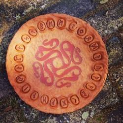Piatto Oracolo delle Rune in Terracotta Celtico 1 - DISPONIBILE diametro 42 cm